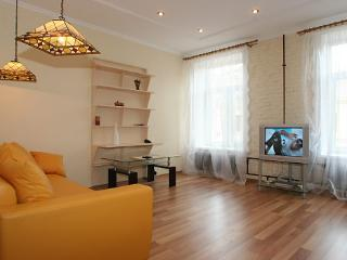 Nevsky prospect, 60 one bedroom apartment
