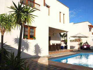Villa ACACIA for 8 in Costa Teguise for 8p