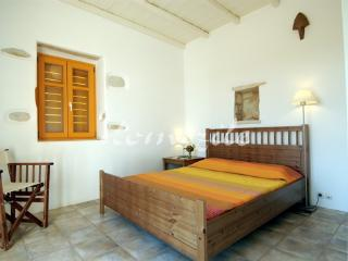 Paros, Quiet and luxurious villa O