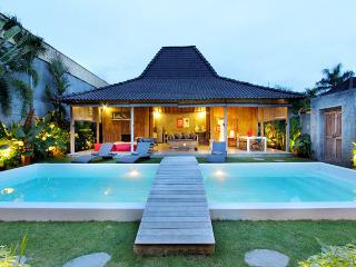Luxury Joglo Style Villa 4BR