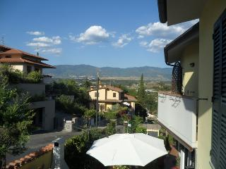 DETACHED HOUSE IN PANORAMIC RESIDENTIAL AREA 20 Km FAR FROM FLORENCE