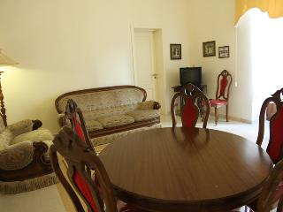 Quality apartment at 100 mt from the sea and 50m from Piazza Duomo, sleeps up to 6 persons