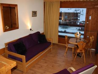 New: beautiful studio apartment in center of Les Arcs 2000, South-facing with balcony