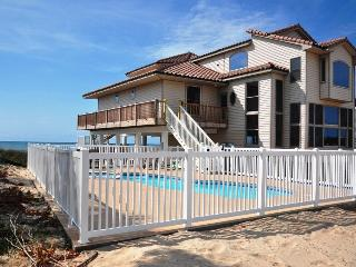 1ST DIBS BEACHFRONT 5,000 sq feet- pool &amp; elevator