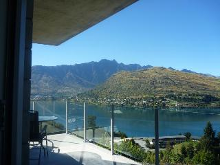 Goldrush Glory Holiday Home #2 - Queenstown NZ