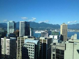 Downtown Vancouver Apartment Near Robson| Minimum 2 weeks