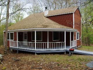 3 bedroom single house, Poconos of PA, sleeps 10