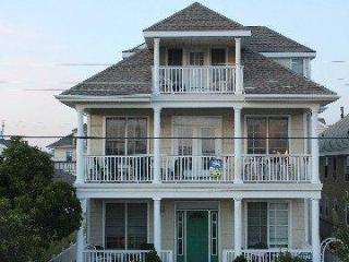 Spacious 5 BR With Ocean Views on 5th Street
