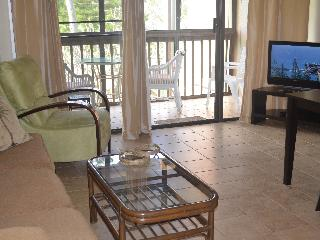 Exceptional Condo-Close to Pool & Sightseeing!