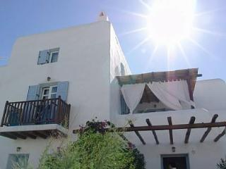 Beautiful Mykonos Villa - minutes from beach