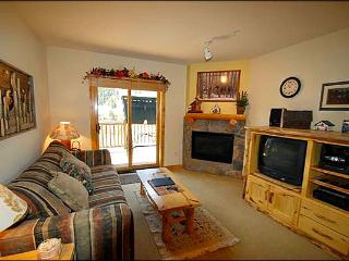 Great Town and Ski Area Views - Close to Shops and Dining (7082)