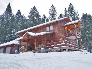 Perfect Base For Fishing or Hunting - Ski or Hike From Your Door (1047)