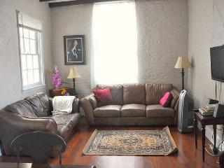 Beautiful and Quiet French Quarter Condo