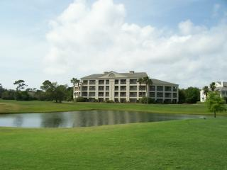 Golf course condo at Peninsula!  Stay in luxury!