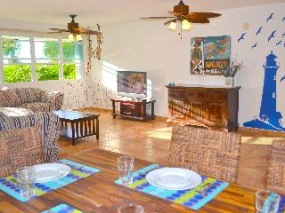 Affordable Luxury!Best Beach Apt-1stFl-Privat Pool