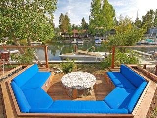 Tahoe Escape with Hot Tub, Steam Room, Pool Table & Boat Dock