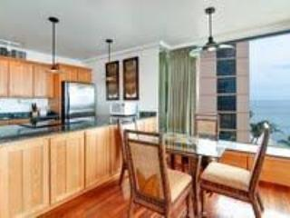 Best Oceanfront Corner Kaanapali Condo-Upgraded!