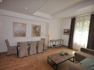 Apartment Vauvenargues 1BR, Lift, Dowtown Aix