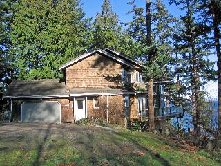 4 bedroom waterfront home on Lummi Island WA