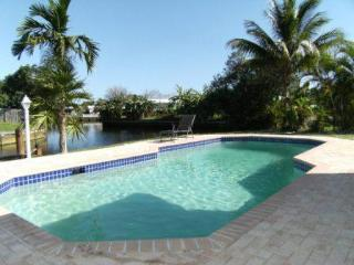 NEAR MIAMI  SINGLE FAMILY HOUSE   PRIVATE POOL