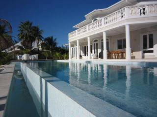 Contemporary Cayman Kai 4 bed villa with 50' pool