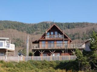 Cute Two Bedroom Beach House in Barview