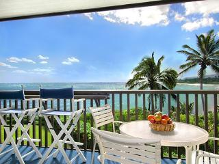 Deluxe Oceanfront Wailua Bay View 204 SPECIALS!