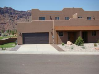 Moab's Finest Luxury Condo **Five Star Ratings**