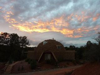 My Sedona Place - Unique Dome Home w/High Energy!