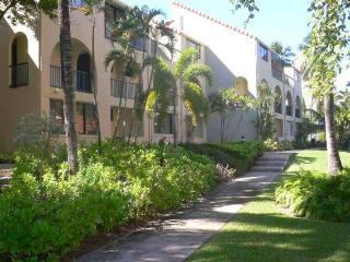 Beach, Golf, Tennis 1BR Getaway in Beach Village!