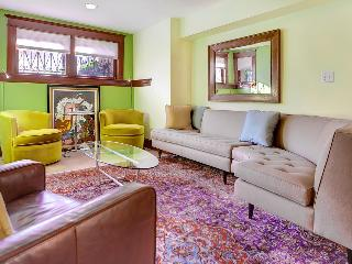 *Hot New Listing* Capitol Hill 2 Bedroom 2 Baths