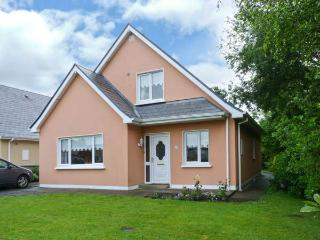 34 FLESK GROVE detached, family-friendly cottage in Killarney Ref 16544