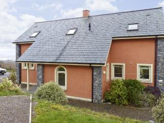 NO. 20 RING OF KERRY, family friendly, with a garden in Kenmare, County Kerry, Ref 4592