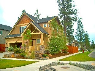 Cozy & Upscale  Vacation Rental in Beautiful Bend
