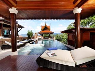 Reuan Thai Villa, 6 star Patong Beach - 5 bedrooms