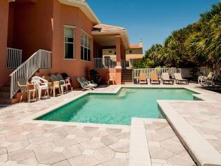 Beach Walk Rental Home - 5 Bdrs - Private Pool