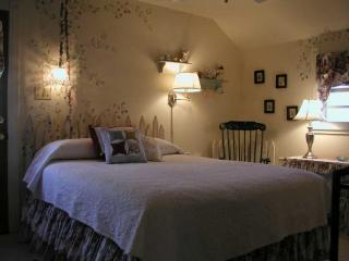 Acorn Street B&B;: Starlight Suite