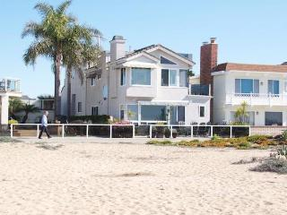 Luxurious Home on the Sand, Balboa Peninsula, CA!