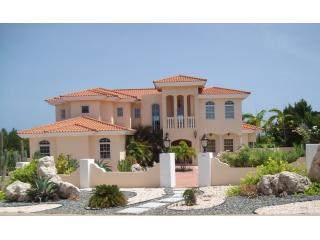 Desert Dolphin Aruba: Luxury Estate Home, 5 BR 4BA