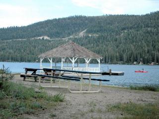 Private Beach at Donner Lake, 15Min to 6 Resorts