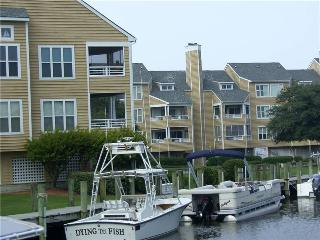 2BR with entertainment center - Buccaneer Village #523