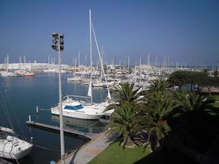 LOCATION A CANET PORT