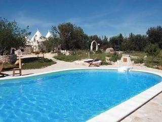 Bio Trullo e Casale Querciolo with pool