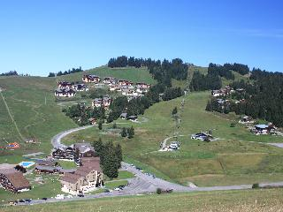 La Clusaz. residency on the slopes. APT: 4/5 PEOPLE. BEAUTIFUL VIEW ON THE CHAIN ??ARAVIS.