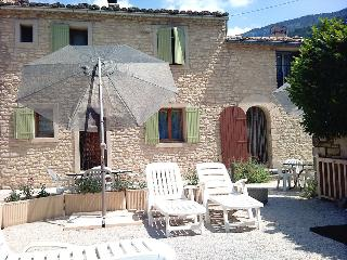 COUNTRY COTTAGE FOR 2/4 GUESTS OF BEAUMONT-VENTOUX