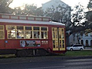 New Orleans 1 Bedroom StreetCar/ 2 French Quarter