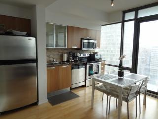 Ruby Red Suite - 1bdr + 1 bath - Downtown,Toronto