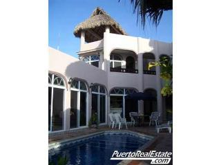 Casa De La Paz: Luxury, 4BR home overlooking bay