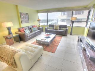 Stylish 2 BR in Miami Beach - Suite 1218