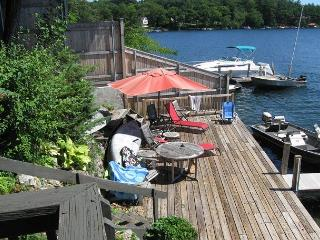 Contemporary Vacation Rental Condo in Meredith Bay on Lake Winni (AND79W)